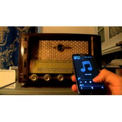 TRASFORMATION OF OLD VALVE RADIO INTO WEB RADIO