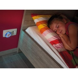 LED NIGHT LIGHT WITH SOCKET